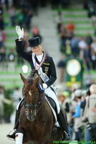 Dressage - Helen LANGEHANENBERG & DAMON HILL Grand Prix Special - August 27 - ©PSV Photos