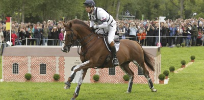 Fox-Pitt leads cross-country at the halfway point