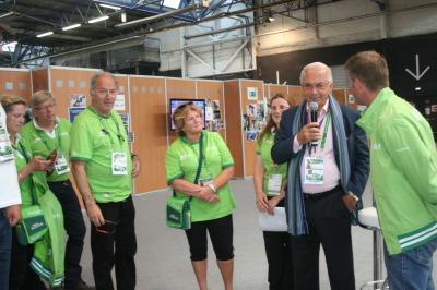Ambassadors: Nelson Pessoa meets with volunteers